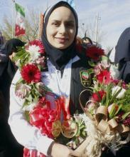 افتخار میکنم مدال بسیجی بودن بر گردن دارم/اولین بانوی ثبتنامی در سایت کوکیوان تکواندو هستم